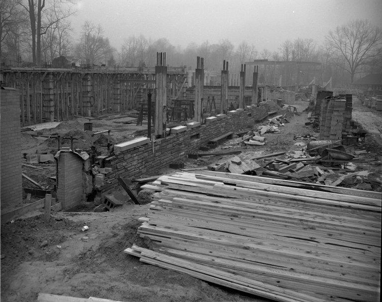 Construction of a new Junior High School in Arlington, Virginia