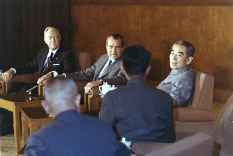 (L to R) Secretary of State William Rogers, President Nixon and Chinese Premier Zhou Enlai
