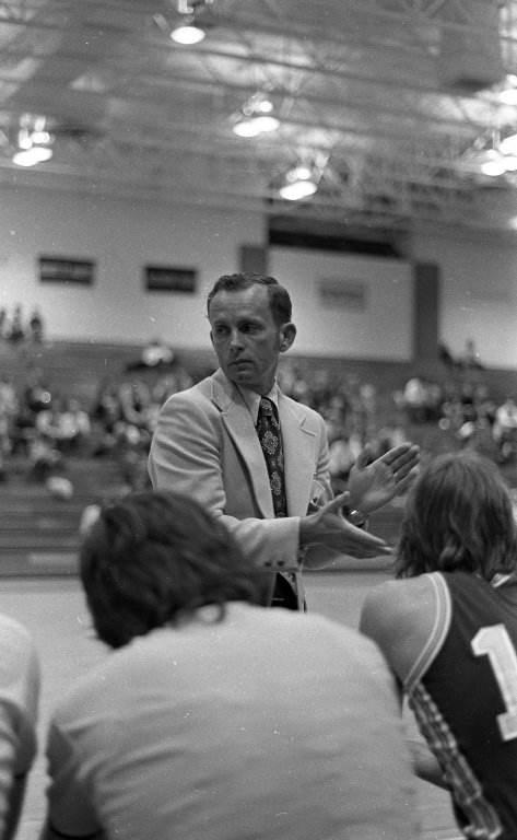 Coach Linn