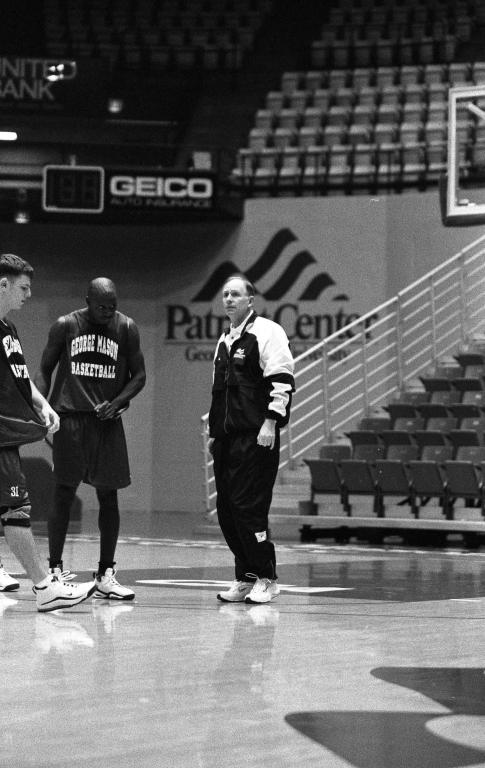 Men's basketball preseason practice 1