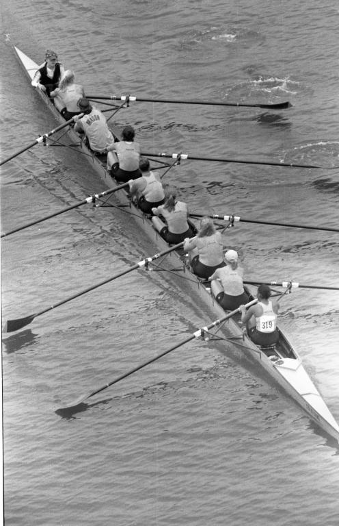 Women's crew 1